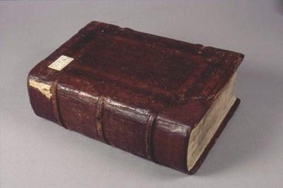 kniha po restaurování
